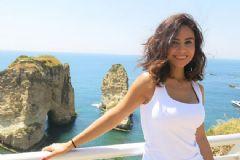 Betül Demir 'Sana Ne Olmuş' Şarkısını Aşkına Yazdı
