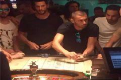 Galatasaraylı Futbolcular Kumar Masasında Yakalandı