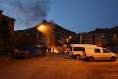 Tunceli'de PKK'lı Bir Grup Türk Bayrağını Ateşe Verdi