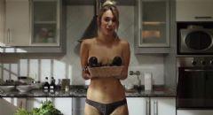 Çıplak Aşçı Youtube'da Olay Yarattı