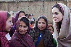 Angelina Jolie Mülteciler İçin Çağrı Yaptı