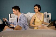 Uzun İlişki İçin Sevgilinizi Sosyal Medyada Takip Etmeyin