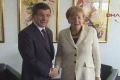 Davutoğlu ile Merkel New York'ta Görüştü