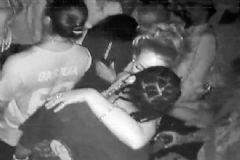 Rihanna Öpüşürken Yakalandı