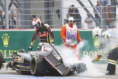 F1'de Fransız Pilot Bariyerlere Çarptı