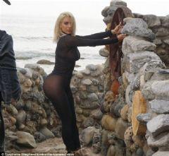 Kim Kardashian'dan Olay Yaratan Transparan Elbise
