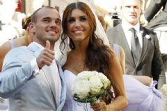 Sneijder ve  Yolanthe Çifti Bebek Sahibi Oldu
