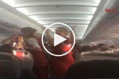Beşiktaş Taraftarı Söyledi Hostesler Oynadı