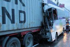 İstanbul'da Servis Kazası: Yaralılar Var