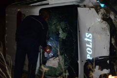 Polis Aracı Kaza Yaptı: 2 Yaralı