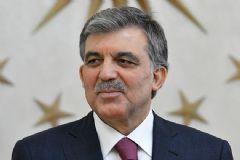 Abdullah Gül Ak Parti'yi Tebrik Etti