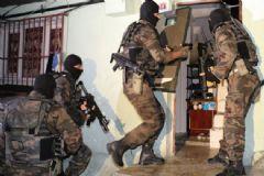 İstanbul'da Şafak Operasyonu: 25 Gözaltı