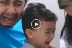 Oğlu  İğne Olurken Ağlayan Baba
