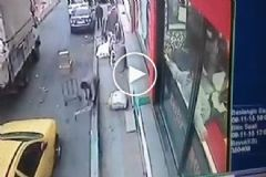 İstanbul'da Afrikalı Bir Genci 3'üncü Kattan Aşağı Attılar