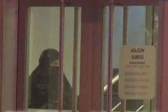 Gölcük'teki Banka Soygununda Çarşaflı Soyguncu Vuruldu