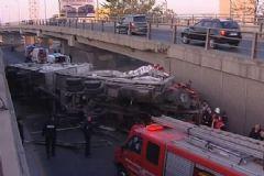 Ankara Akköprü'de TIR Köprüden Uçtu: 6 Yaralı
