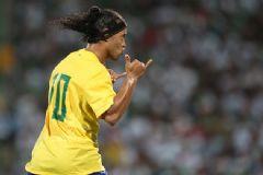 Ronaldinho Bu kez Galatasaray'a Geliyor Mu?