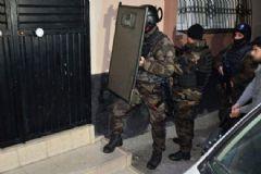 Adana'da Bin Polis ile Kaçakçılık Operasyonu