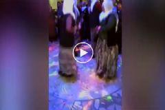 Yaşlı Teyzelerin Komik Disko Dansı