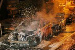 Okmeydanı'nda 5 Araç Ateşe Verildi