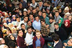 Başbakan Davutoğlu'ndan Öğrencilere Mesaj