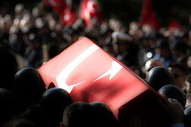 İzmir'de Birlikte Askeri Aracın Çarptığı Asker Hayatını Kaybetti
