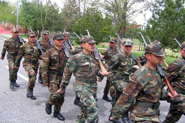 Askerliğini Yapan Erkekler Erken Emeklilik İçin 2 Yıl Kazanabilecek