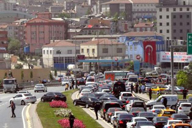 Erdoğan Ve Bayraktar'ın Nikahında Davetli Trafiği