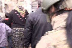Sur'da Mahsur Kalan Aile Kurtarıldı