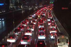 İstanbul'da Trafik Çilesi Yüzde 90'ı Buldu