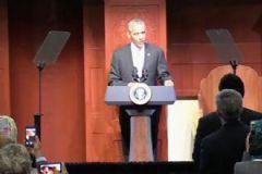 Obama ABD'de İlk Kez Cami Ziyaretinde Bulundu