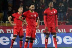 Galatasaray, Mersin İdmanyurdu'na 2-1 Mağlup Oldu