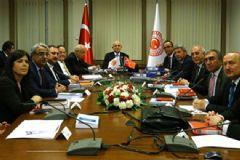CHP Çekildi, Anayasa Komisyonu Dağıldı