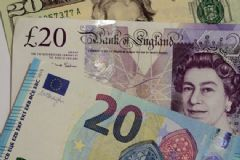 Sterlin Dolar Karşısında Yüzde 2,3 Değer Kaybetti