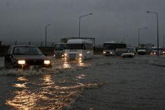 Meteoroloji'den Fırtına ve Sağanak Yağmur Uyarısı