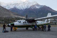 Nepal'de Yolcu Uçağı Kayboldu