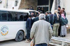 Rus Uçakları Suriye'de Sağlık Ocağını Vurdu