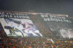 Trabzonspor Tribününde Fenerbahçeli Pankart