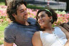 Hande Doğandemir ve Şükrü Özyıldız'dan Sürpriz Aşk