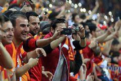 Galatasaraylı Taraftarlar Bu Akşam Tarihi Eyleme İmza Atacak