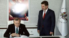 Cumhurbaşkanı Erdoğan CHP'li Belediye Başkanını Makamında Ziyaret Etti
