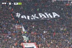 Trabzonspor-Beşiktaş Maçı Öncesi Tribünlerden Anlamlı Mesaj