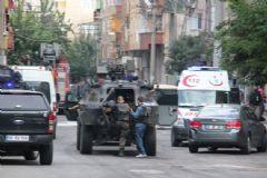 Bağlar'a Askeri Zırhlı Araçlar Destek Veriyor