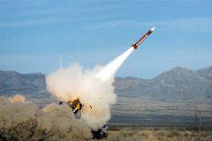 Kuzey Kore 800 Kilometrelik Balistik Füze Fırlattı