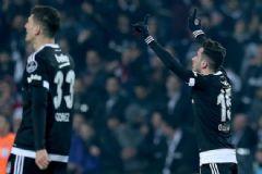 Beşiktaş Koltuğunu Bırakmadı