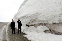Ardahan Valisi: 8 Metreyi Aşan Kar Küresi Var