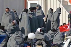 Dikili'de 350 Yabancı Uyruklu Mülteci Yakalandı