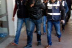 Adana'da Öğretmen Ataması Yapan Çete Çökertildi: 17 Gözaltı