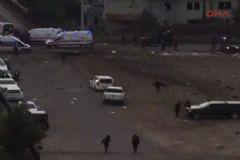 Diyarbakır'da Polis Servis Aracına Yönelik Bombalı Saldırı