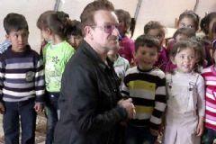 U2 Grubunun Solisti Gaziantep'teki Çadırkenti Ziyaret Etti